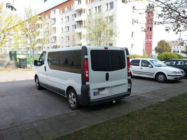 scheibentoenung-schwedt-vor-ort-transporter